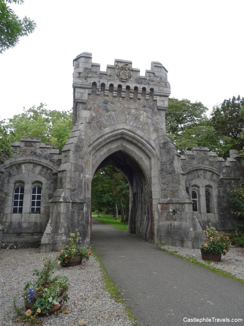 Raon Goilf gate